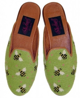 T03368 Bumblebees on Lime Needlepoint Mule