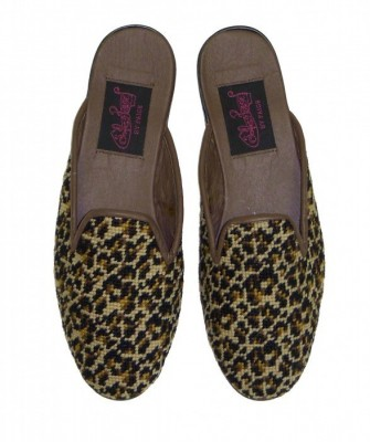 T-774 Mini Leopard Needlepoint Mule