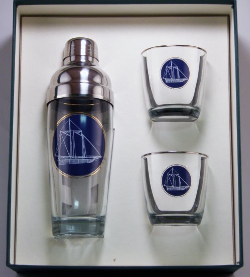 Americas Cup, Cocktail Shaker Set w/2 Tapered Old Fashioned, Gif - Click Image to Close