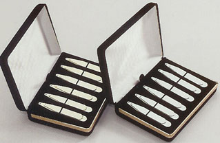 Brass Collar Stays.jpg (27653 bytes)