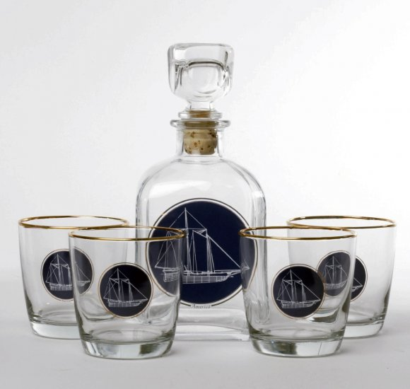 Americas Cup Decanter set w/4 Tapered old fashioned, gift boxed - Click Image to Close